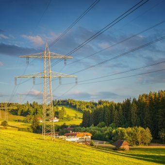 Jak uzyskać odszkodowanie za słupy energetyczne?