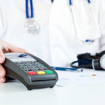 Koszty leczenia prywatnego a zwrot za leczenie z OC